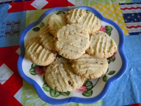 Toffee Almond Sandies Recipe