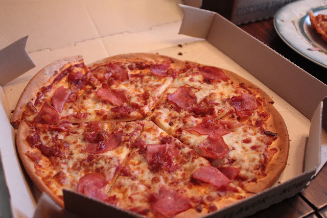 FMGF crops these photos to be square, so I hope this works. Ham and bacon Pizza Hut pizza.