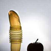 L'utilissimo portabanane ... ancor più quando incontra una mela! di