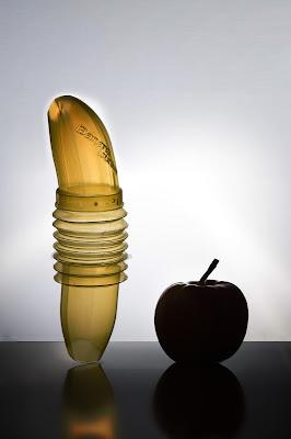L'utilissimo portabanane ... ancor più quando incontra una mela! di versil
