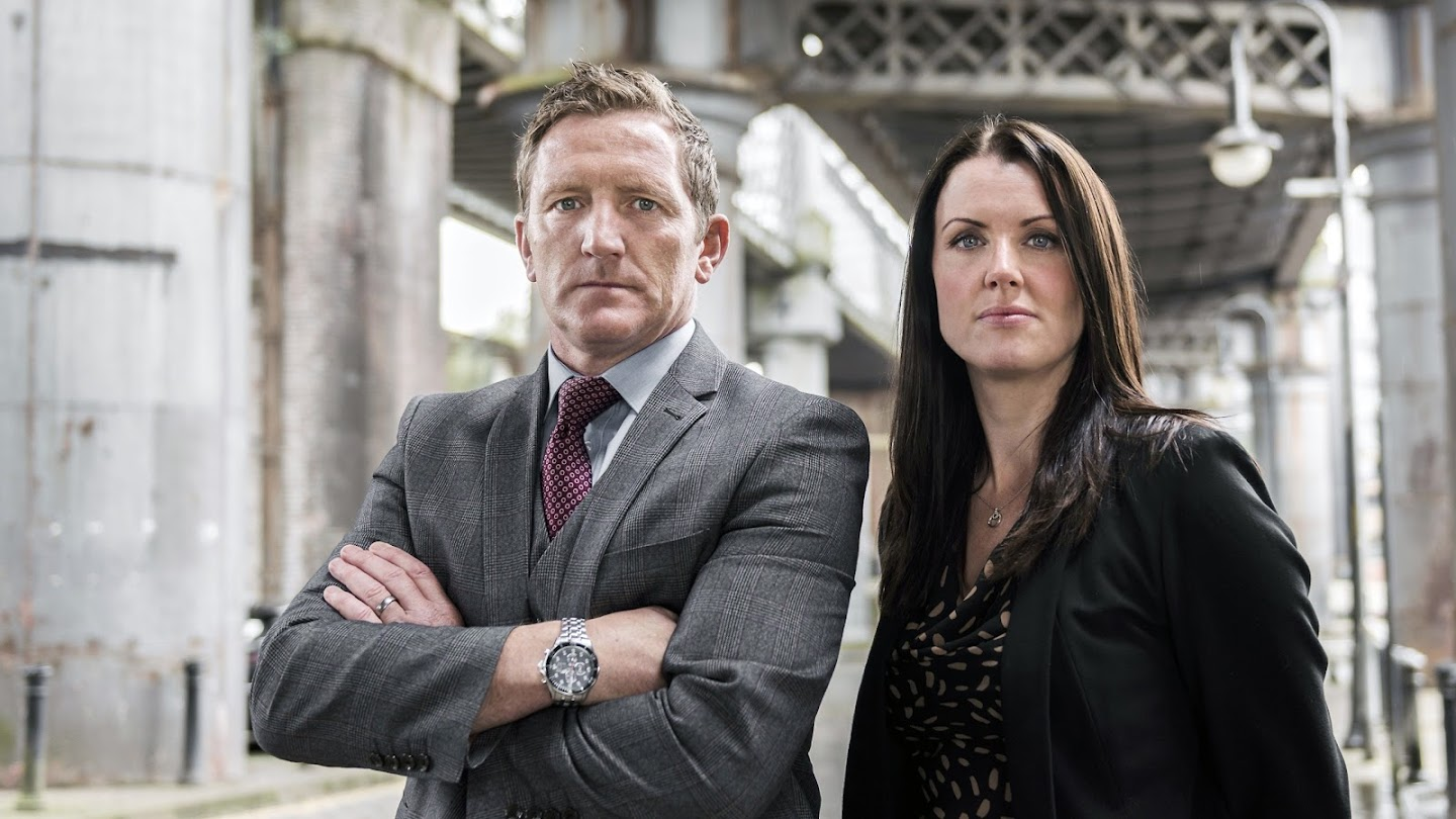 Watch The Detectives: Murder on the Streets live