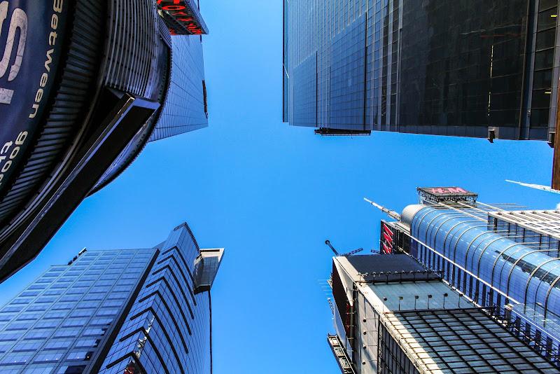 Il cielo sopra Times Square di Marco Spinelli