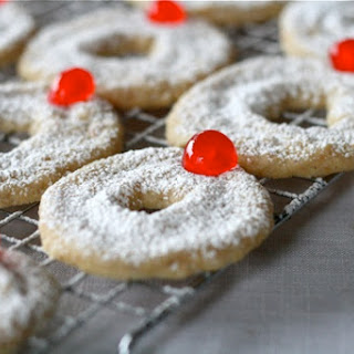 Hazelnut Shortbread Wreath Cookies.