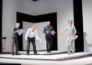 Photo: Wien/ Theater in der Josefstadt: KAFKA - EIN PROJEKT VON ELMAR GOERDEN. Premiere 25.4.2015. Regie: Elmar Goerden. Andre Pohl, Toni Slama, Peter Kremer, Alexander Absenger. Foto: Barbara Zeininger