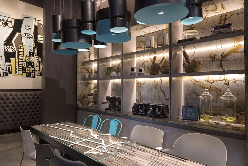 Casa FOA 2018: Lobby de Hotel / Diana Gradel & Eliana Gradel