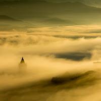 Un fiume di nebbia di