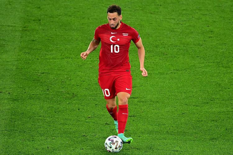 """Hakan Calhanoglu prend ses responsabilités : """"Nous sommes arrivés avec de grands objectifs, nous avons rêvé"""""""