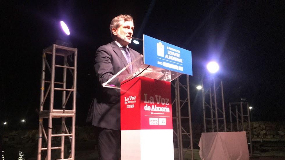 Ángel Escobar, vicepresidente de la Diputación de Almería, durante su intervención en la gala.