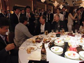 Photo: ボスの周りに集まる熊本組