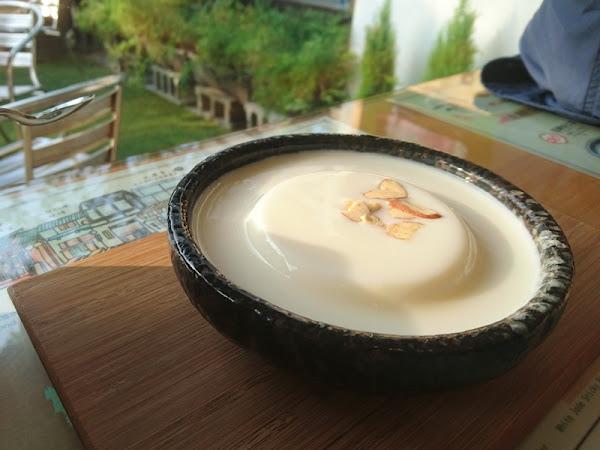 艾摩多手工杏仁豆腐專賣店/ 午後不傷荷包下午茶