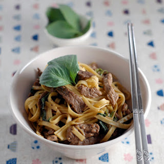 Basil & Black Pepper Beef with Egg Noodles