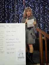 Photo: notre présentatrice Marie Ange