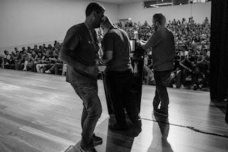 Photo: Momento en que los padrinos Naukas deliberan sobre los Premios Tesla 2015.