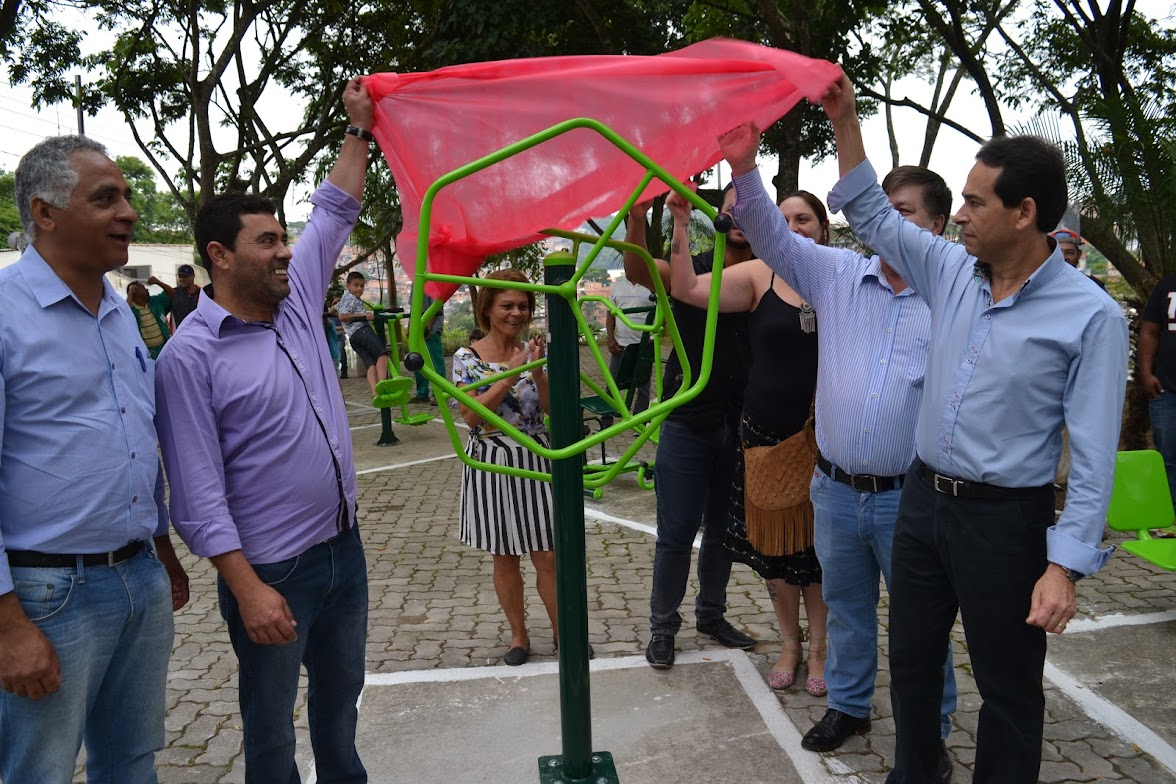 Prefeitura entrega academia pública no Jd. dos Moraes