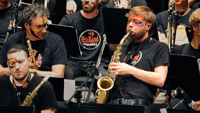 La big band clasijazz durante uno de sus directos en una imagen de Manuel Rubio.