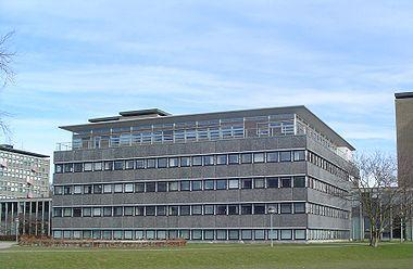 https://upload.wikimedia.org/wikipedia/commons/thumb/2/2d/Matematisk_Institut.jpg/380px-Matematisk_Institut.jpg
