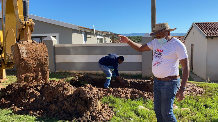 Infrastructure and engineering portfolio head Masixole Zinto visited KwaNobuhle at the weekend and urged residents to report all water leaks and use water sparingly