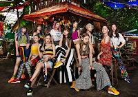 "E-girls, promovendo o single ""My Way""."