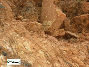 Photo: Aquí estaban los restos de posibles enterramientos que desde pequeños hemos contemplado. Aún se ve un trozo de cerámica.