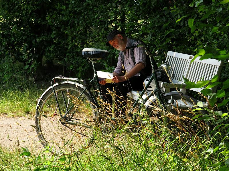 Vado in bici al parco a leggere un libro di Giorgio Lucca