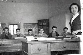 Photo: En la escuela con la maestra Mari Tere. Lolo, Mari, José (Cundo), Pedro, Nando y Quique (Hermano de Pedro).