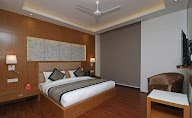 Capital O Premium Hotel Star Suites photo 3