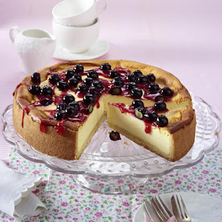 Classic Cheesecake with Blueberry Topping