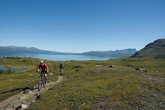 Photo: Calazo Riksgränsen - På väg upp till Låkktajokka fjällstation)