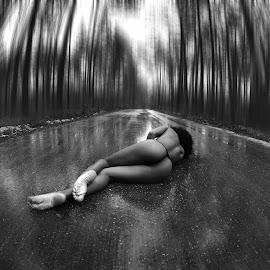 The forgotten #1 by Paulo Correia - Nudes & Boudoir Artistic Nude