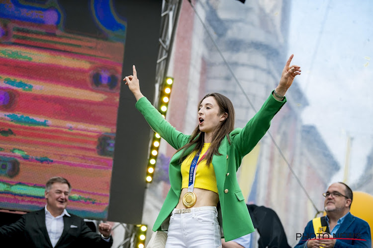 📷 IN BEELD: Gouden loper, jonge turnsters en zelfs stukje zingen: dit was de huldiging van Gouden Nina Derwael