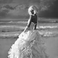 Wedding photographer Alexander Zitser (Weddingshot). Photo of 14.05.2016