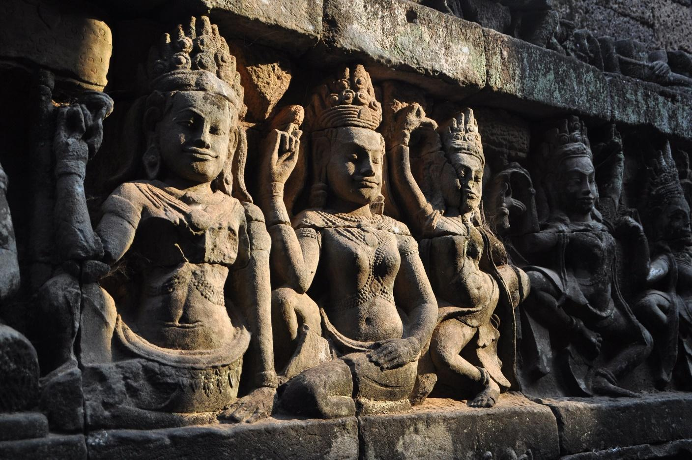 angkor wat temple relief
