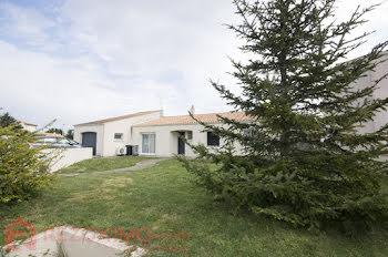 maison à Saint-Vivien (17)