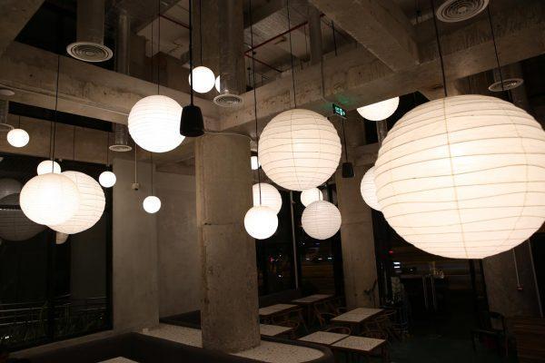 Nên mua đèn trang trí khách sạn ở đâu?