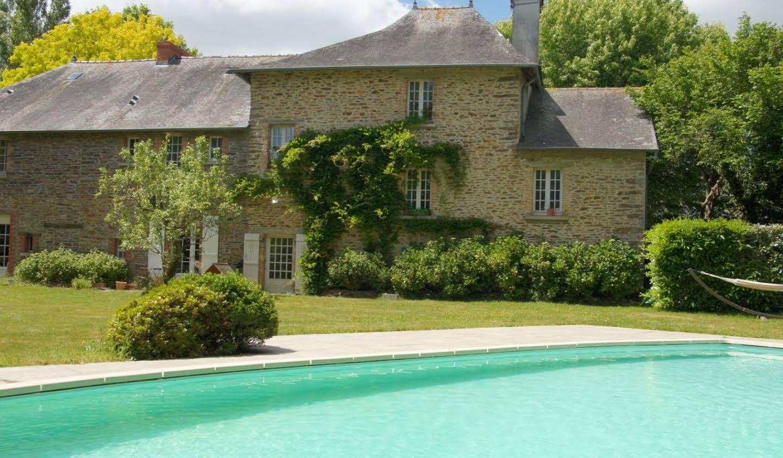 Propriété avec piscine et jardin Orgeres