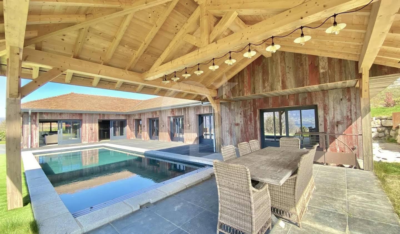 Villa avec piscine et terrasse Tresserve