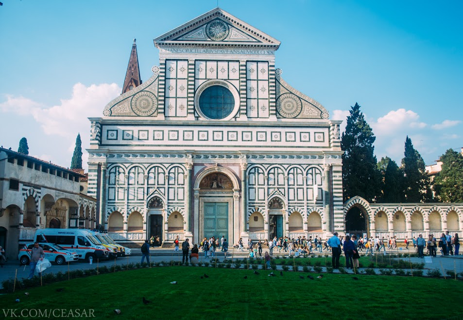 Базилика Са́нта-Кро́че, Флоренция