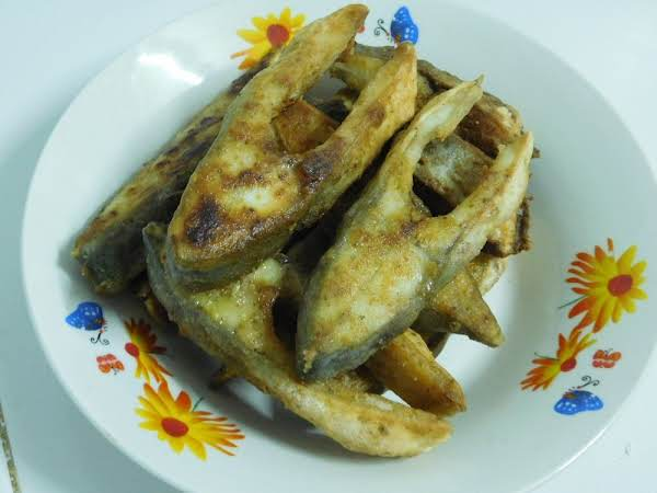 Fried Golden Pomfret Steaks Recipe