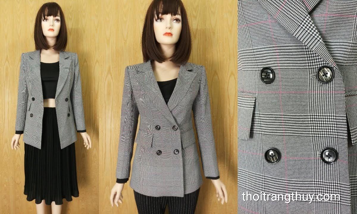 Áo blazer nữ dáng dài kẻ caro hai hàng cúc V630 thời trang thủy