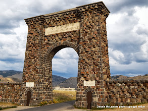 Photo: North entrance arch at Gardiner, MT