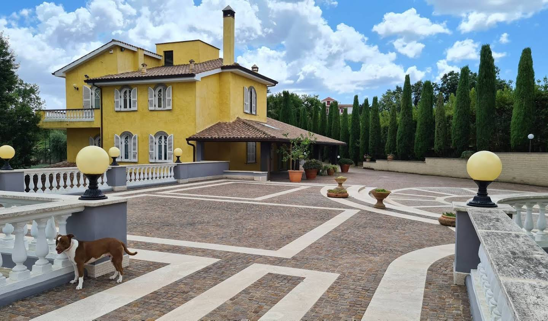 Maison Bassano Romano