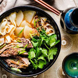 Lanzhou Beef Noodles (兰州拉面)