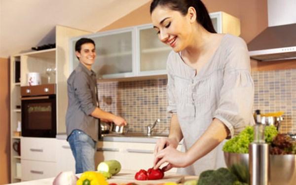 Kết quả hình ảnh cho gian bếp tình yêu