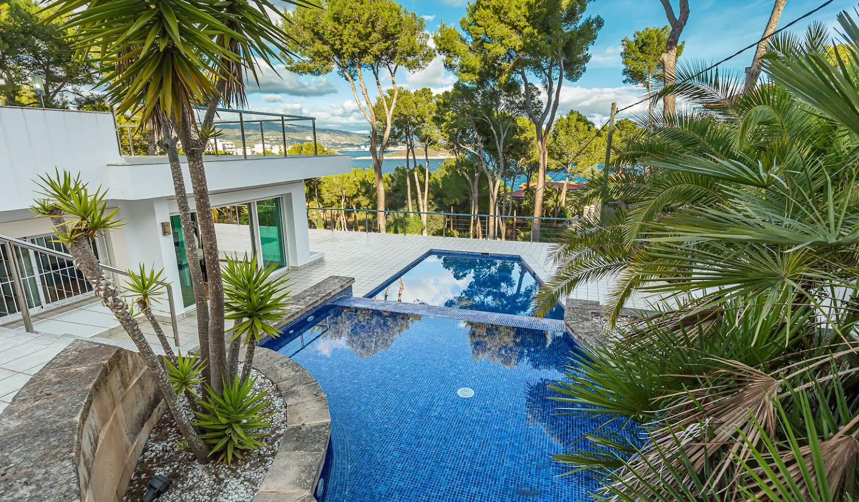 Villa avec piscine en bord de mer Cala Vinyes