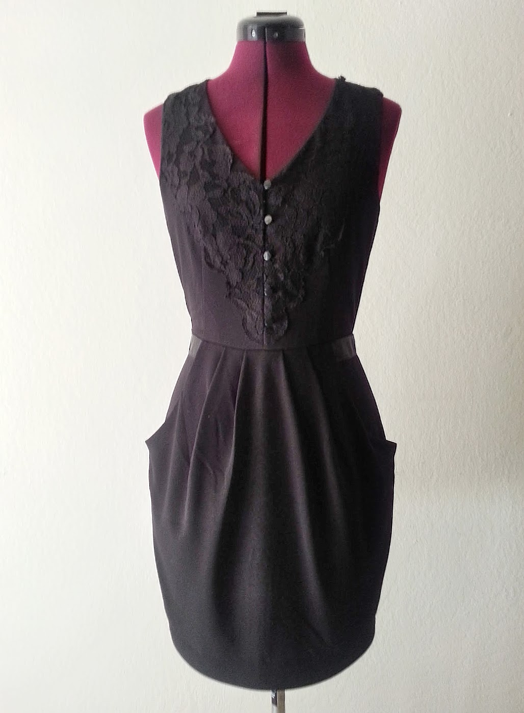 LBD as-is: Removable Dress Extension - DIY Fashion Garments | fafafoom.com