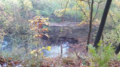Photo: Wehr an der Ennepe kurz vor ihrer Mündung - mit unterspültem Mauerwerk.