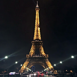 The Tour at night by Ciprian Apetrei - Instagram & Mobile Other ( paris, tour eiffel, night, architecture, city )
