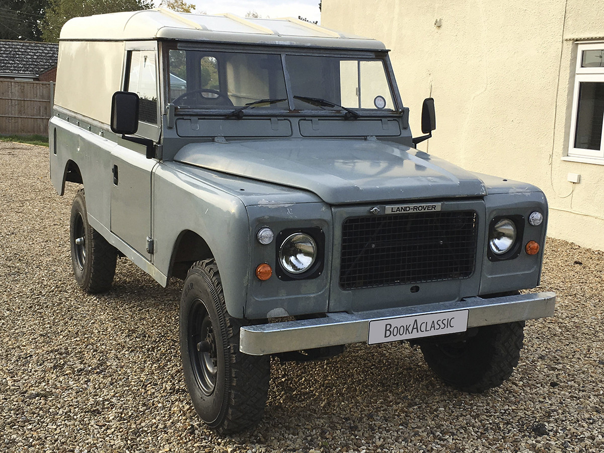 Land Rover Stage 1 Hardtop 109 Hire Spalding