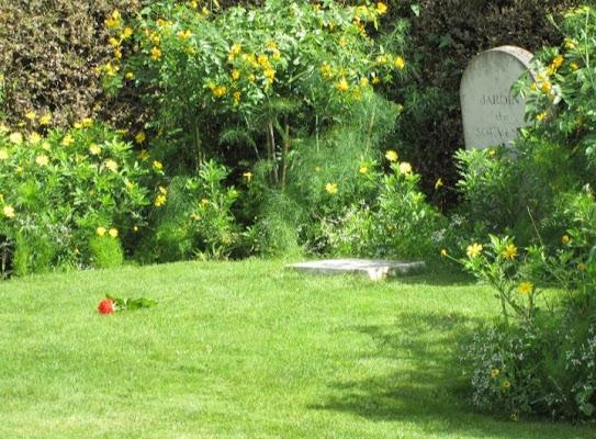 Sepoltura floreale.  di Concas