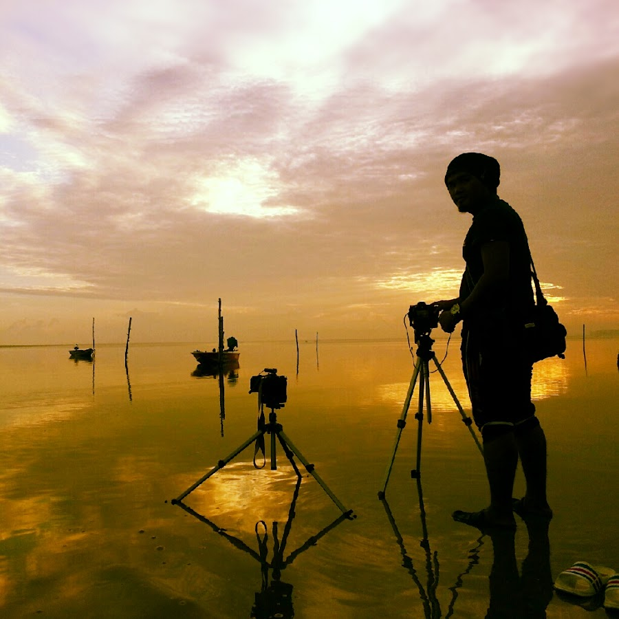 Waiting for the Sunrise by Razali Ahmad - Instagram & Mobile Android ( android, samsung, s3 )